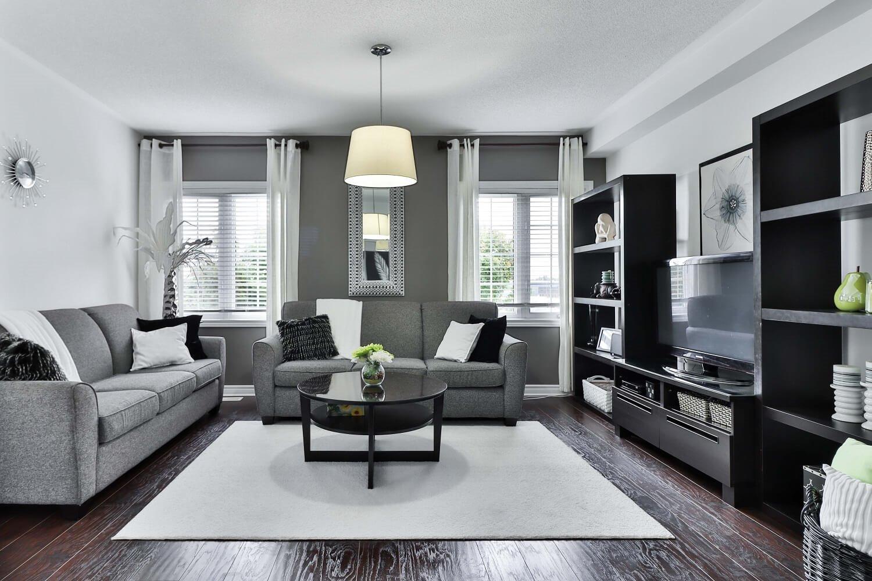 Salón negro y gris